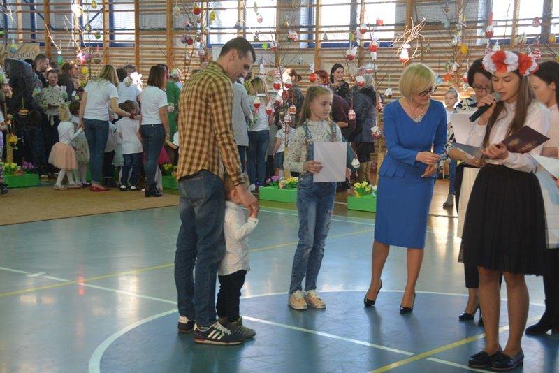 wręczenie nagród najmłodszym uczestnikom konkursu